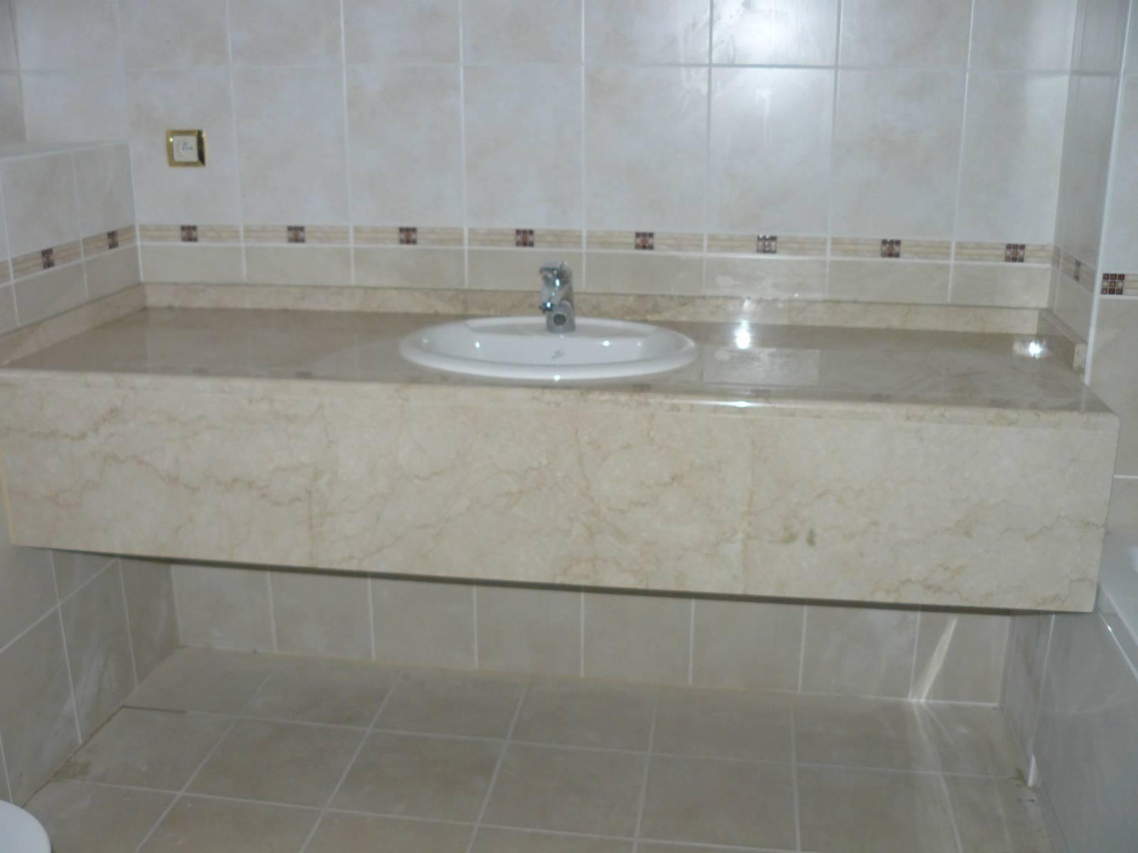 Salle de bains en marbre thonon marbrerie calderara Plaque marbre salle de bain